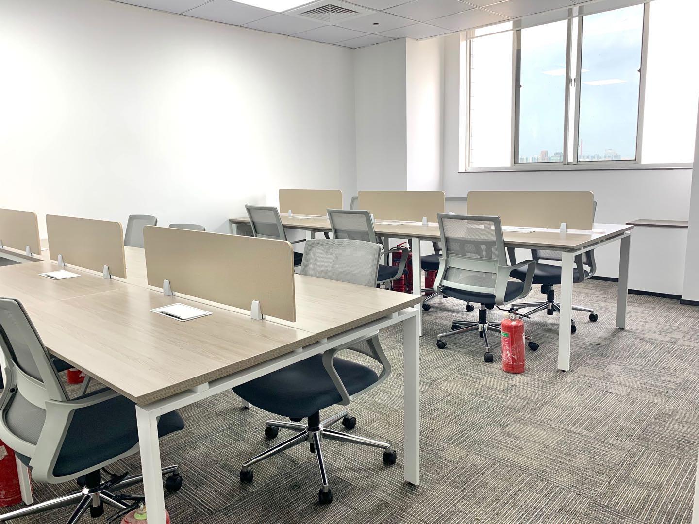 内外联大厦24楼出租125平精装办公室小户型