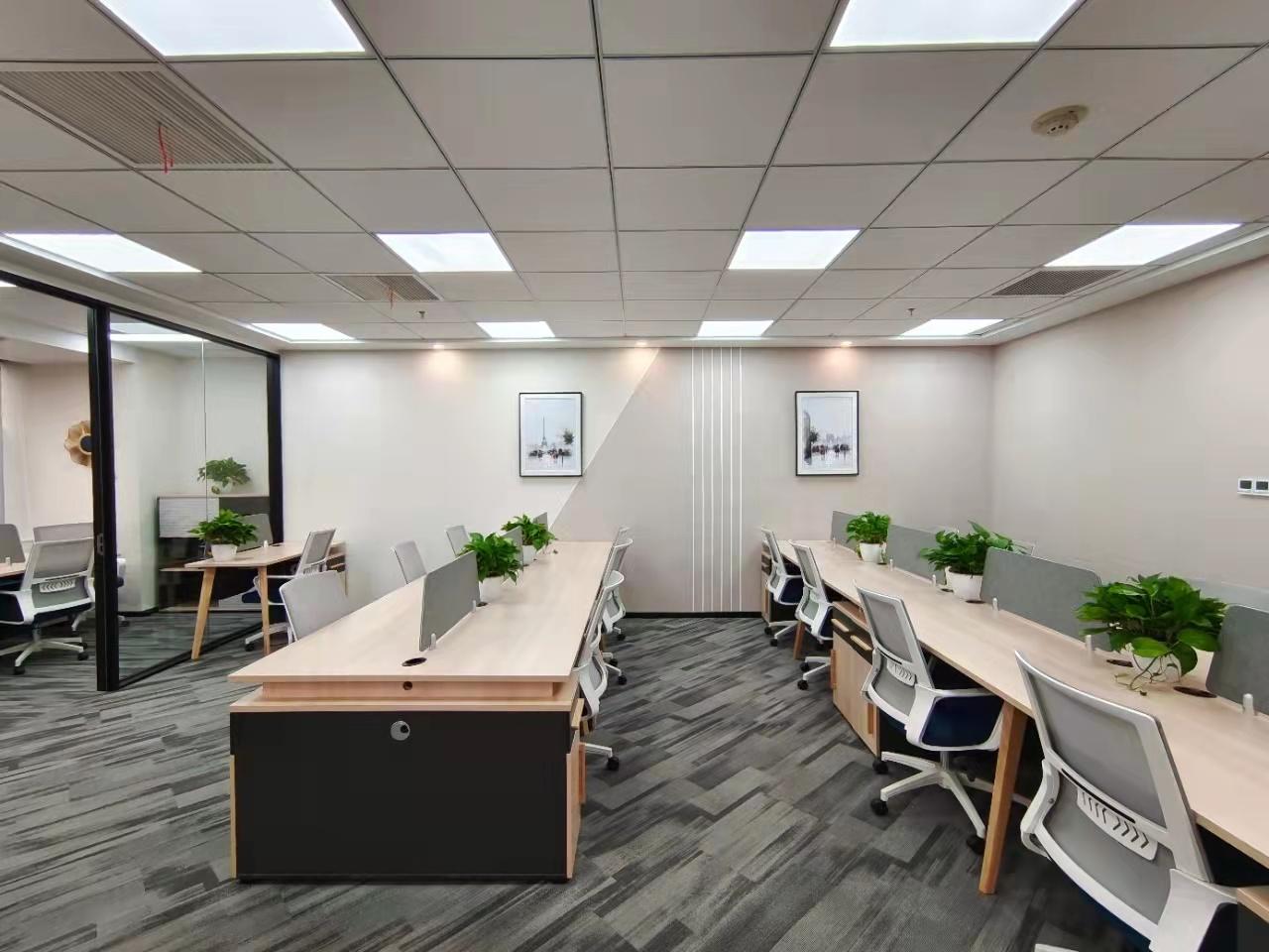 东昌路地铁口世界广场新出283平,带24个工位