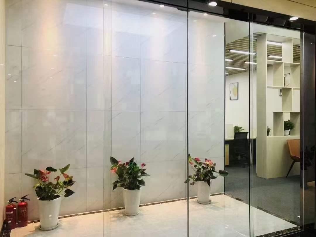 华润时代广场出租168平办公室精装修带家具